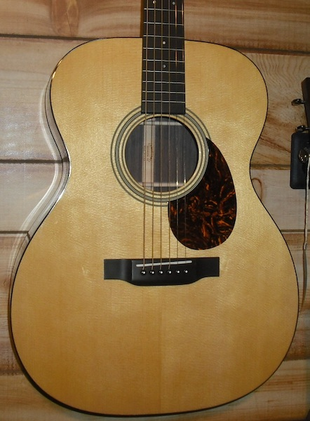 Martin OM-21 Acoustic Guitar w/Case